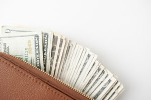 I give you 10 easy tips to save more money everyday and maybe be able to buy your dream home